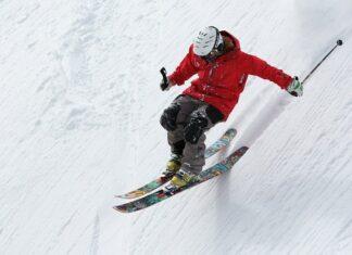 Livigno: sciatore in discesa